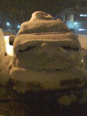 雪に埋もれている車 その2